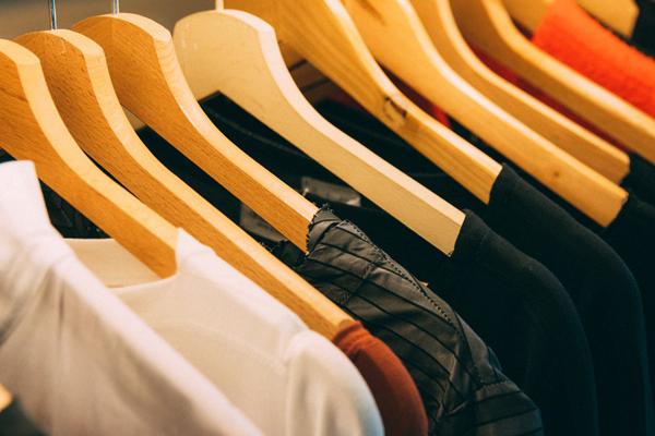Veel kleding? Tijd voor een kledingdieet